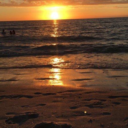 Vanderbilt Beach, FL: photo0.jpg