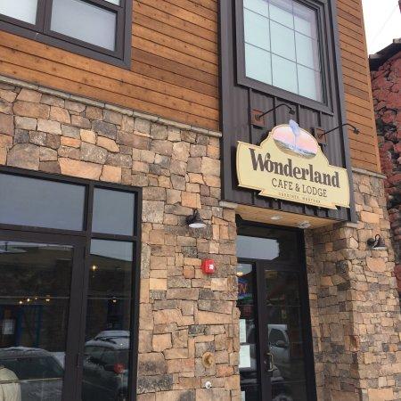 Wonderland Cafe & Lodge