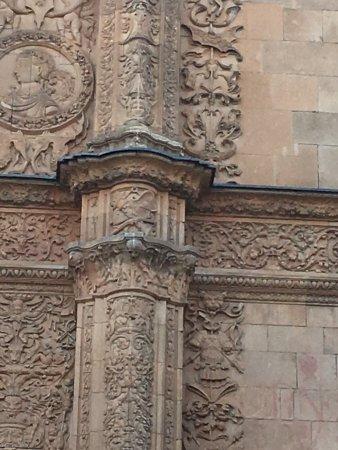 Universidad de Salamanca: Onde está rã ??