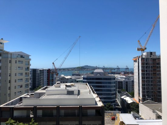 The Quadrant Hotel and Suites Auckland : 12th Floor View