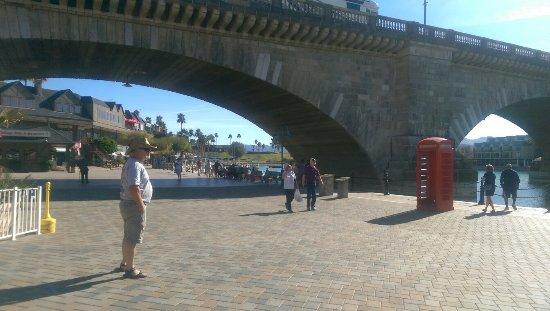 London Bridge: IMAG1578_large.jpg
