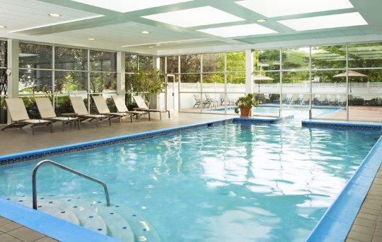 Eatontown, NJ: Pool