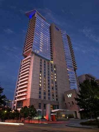 W Dallas - Victory: Stay in the heart of downtown Dallas