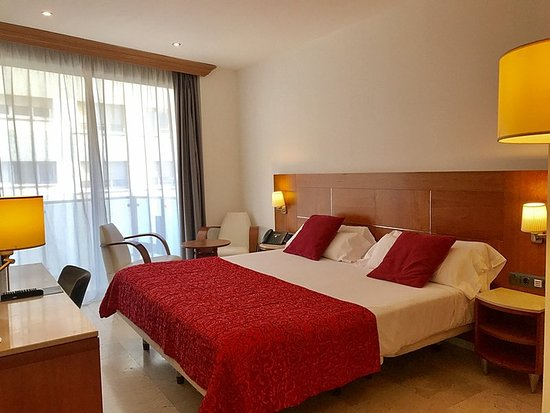 Hotel Calasanz: Guest room