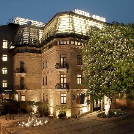 Hotel Bergs: Exterior