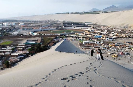 Sandboarding in Salaverry Trujillo