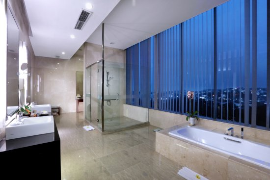 President Suite Bathroom Picture Of Hotel Grand Candi Semarang Tripadvisor