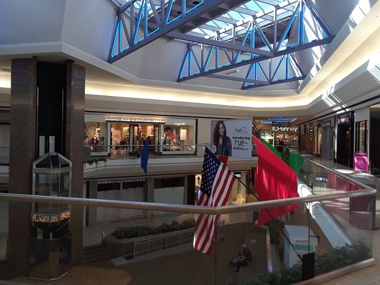 Glen Burnie, MD: Marley Station Mall