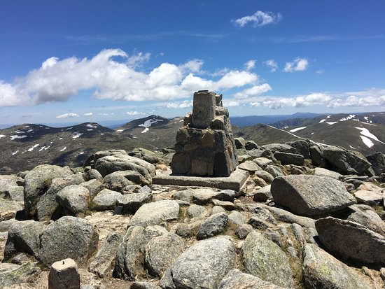 Summit Walk/Main Range Trail: Views at the top of Oz