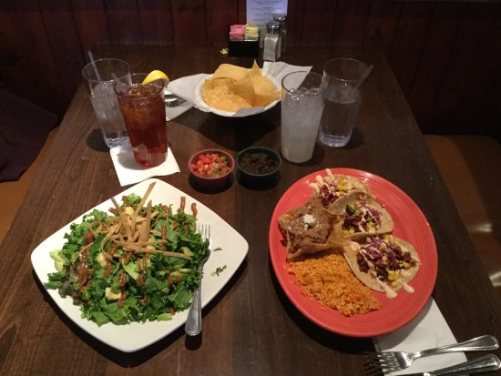 Salsa Brava Fresh Mexican Grill: Salad, Tacos