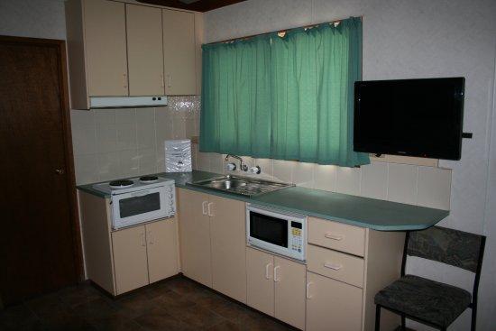 Walkerville, Avustralya: Ovalview Cabin Kitchen
