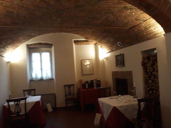 Montechiarugolo, İtalya: Una stanza del locale.