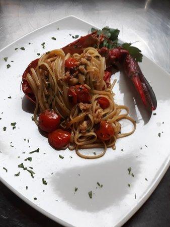 Montechiarugolo, İtalya: Spaghetti all' astice, peccato solo che dalla foto non si senta il profumo.