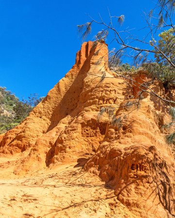 At the Red Canyon on Teewah Beach  - Foto di Great Beach