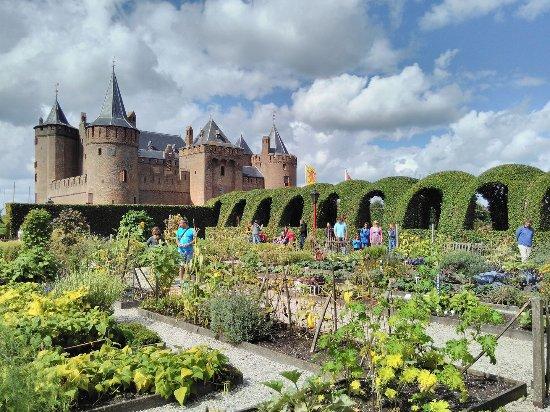 Muiden, Hollanda: Vue des jardins