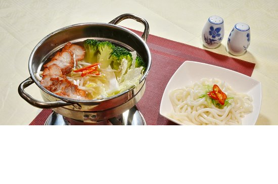 Lotus Chinese Restaurant: Healthy Hot Pot