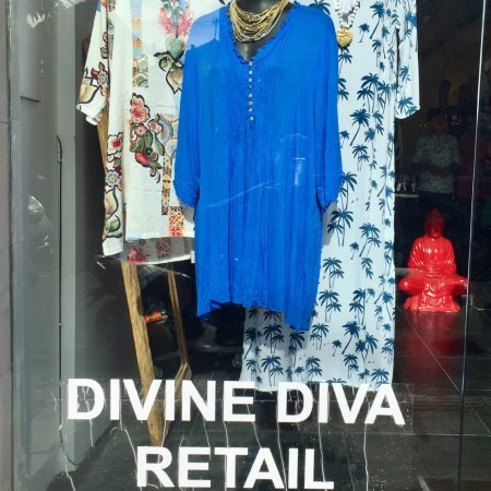 I visited Divine Diva new shop today!! Wow it's beautiful!! Friendly staff and gorgeous clothes.