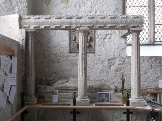 St Michael's Church: Grabmal