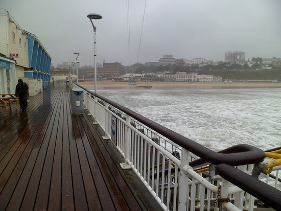 Bournemouth Pier : Looking back to the beach (note the death slide wires above)