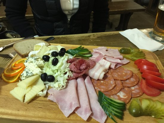 Ferdinanda: Sausage platter
