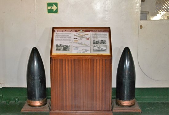 Floating Naval Museum Battleship Averof: Αθώες οβίδες...
