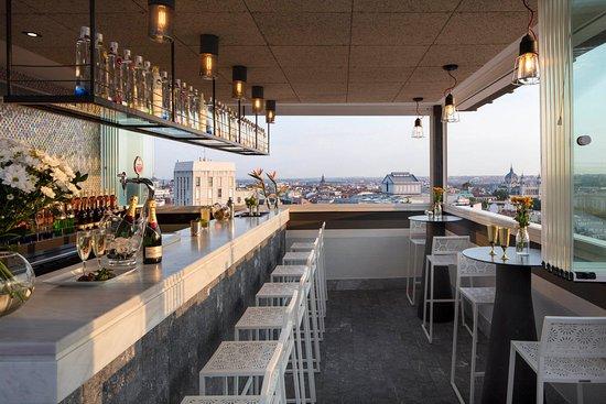 Bar Terraza Picture Of Emperador Hotel Madrid Tripadvisor