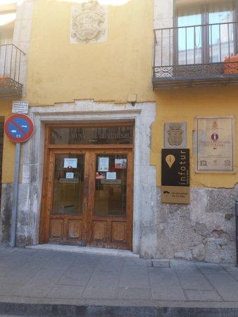 Oficina municipal de turismo cuenca spanien omd men for Oficina de turismo cuenca