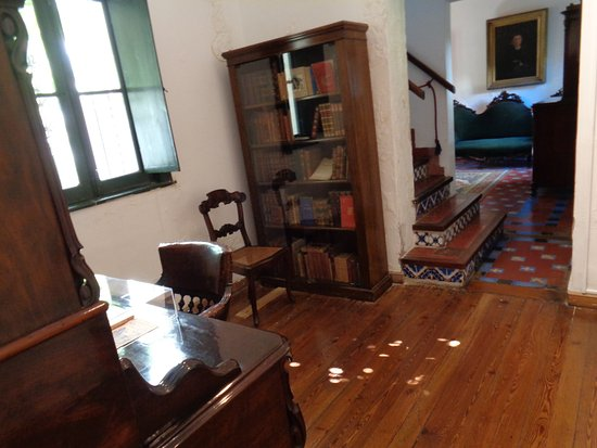 Secreter kuva museo zorrilla montevideo tripadvisor for Escritorios montevideo