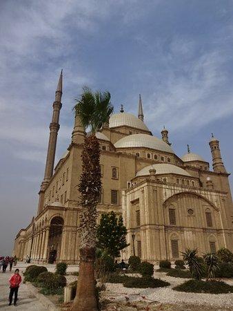 Mosquée Mohammed Ali : カイロのランドマーク、大きく多くの人が訪れます。