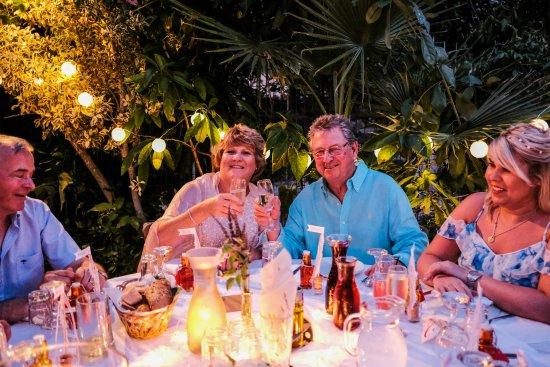 Gavalianos Kafenes: The very happy couple!