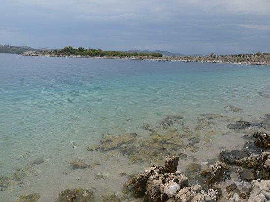 Kornati Islands National Park, Kroatië: Pause sur une des îles. Couleur de l'eau magnifique