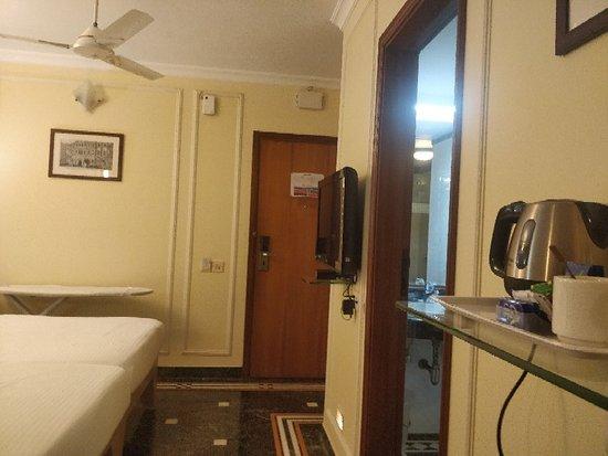 Hilltop Hotel Mumbai: IMG_20180219_191839_large.jpg