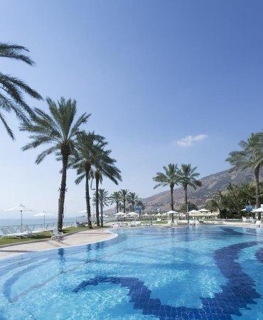 Gai Beach Resort Spa Hotel Photo