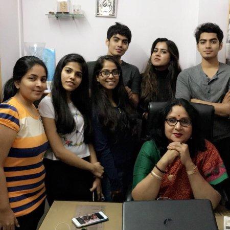 College girls mumbai HR College
