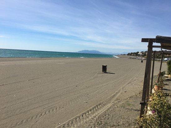 Benajarafe, Ισπανία: Avec vue et accès sur la plage.