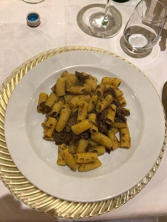 Porto Mantovano, Italia: Maccheroncini al torchio con cinghiale