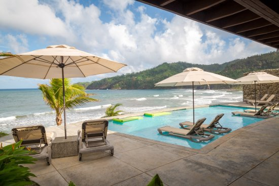 Marigot, Dominica: Stay a while, enjoy lunch and feel free to use our pool.