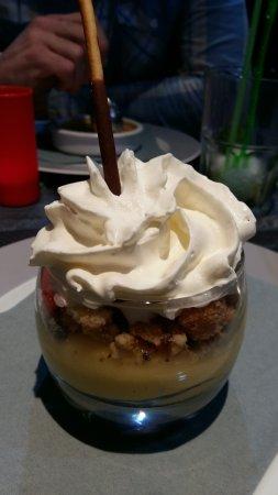 Conches-en-Ouche, France: Verrine façon tarte au citron meringué