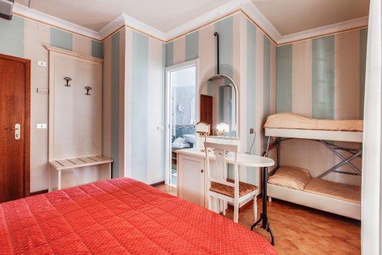 Letti A Castello Milano.Camera Confort Matrimoniale Divano Letto A Castello O 4 Letti