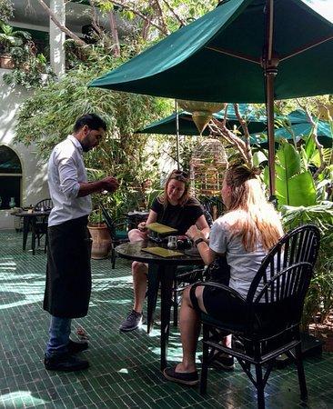 Le jardin marrakech tensift el haouz region omd men om for Le jardin 32 route sidi abdelaziz marrakech 40000