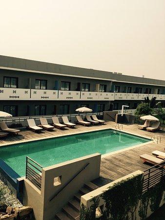 ONOMO Hotel Lome : La piscine de l'hôtel