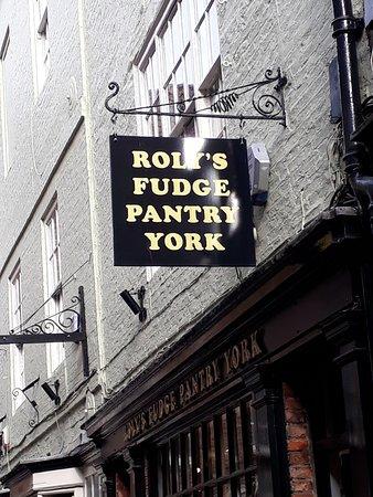 The Shambles : Delicious fudge shop