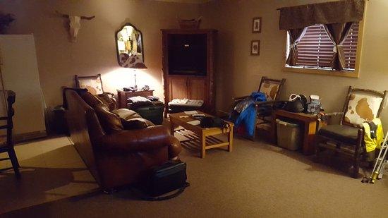 Riverside Lodge & Cabins: As you walk in