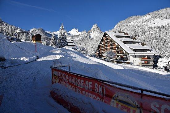 Torgon, Sveits: depuis le Café Chocolat Ecole Suisse de Ski
