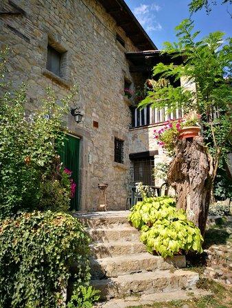 Rocca di Roffeno, Italia: IMG_20170825_151121_large.jpg