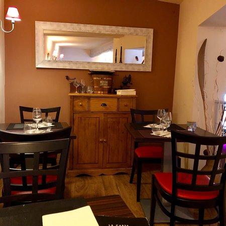 restaurant le piston dans aix en provence avec cuisine fran aise. Black Bedroom Furniture Sets. Home Design Ideas