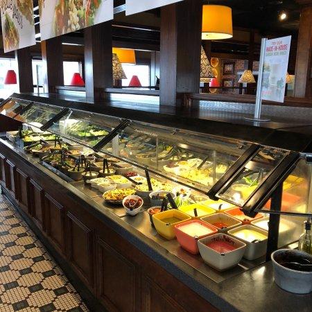 Bridgewater, NJ: Salad bar!