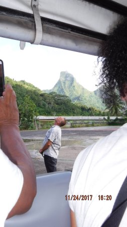 Papetoai, Polinesia Francesa: He was the model for the mountain