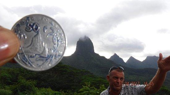 Papetoai, Polinesia Francesa: Real life coin shot