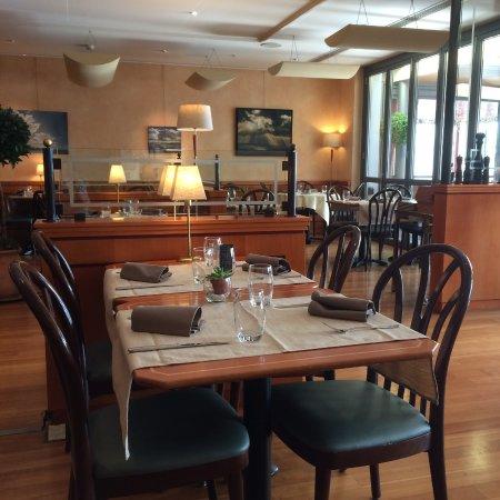 Restaurant du port lausanne restaurant bewertungen for Porte 12 restaurant